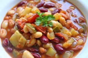 Hearty 3 Bean Vegetarian Chili
