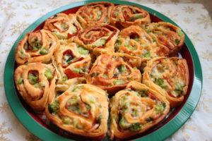 easy mozzarella and pepperoni pinwheels