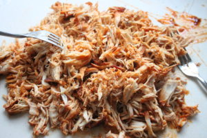 Crockpot shredded bbq chicken sandwiches