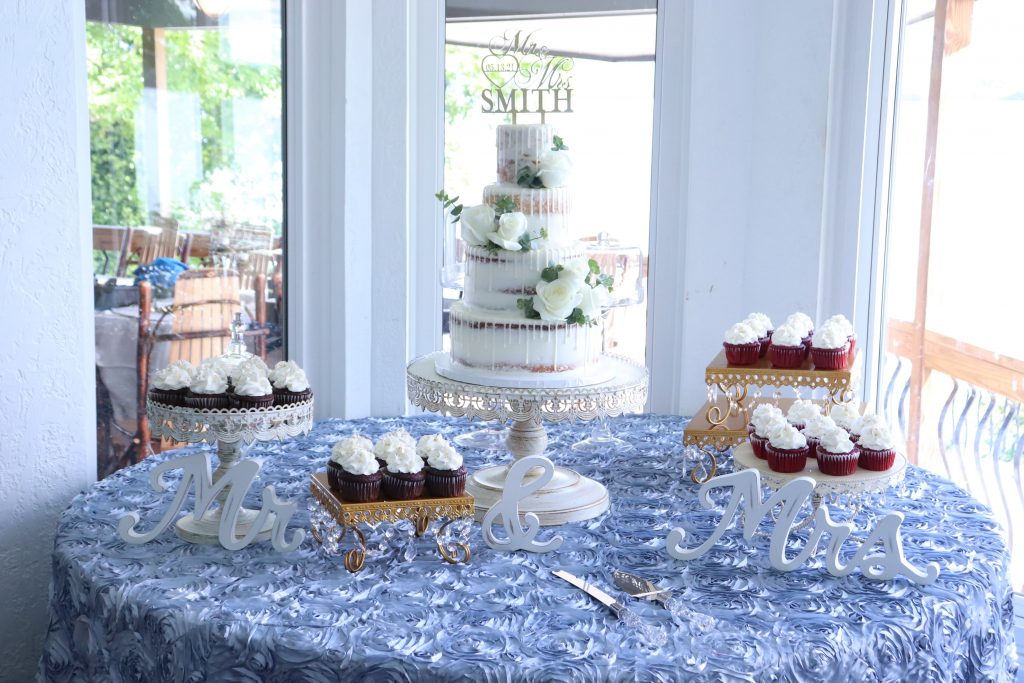 Drip Cake Display